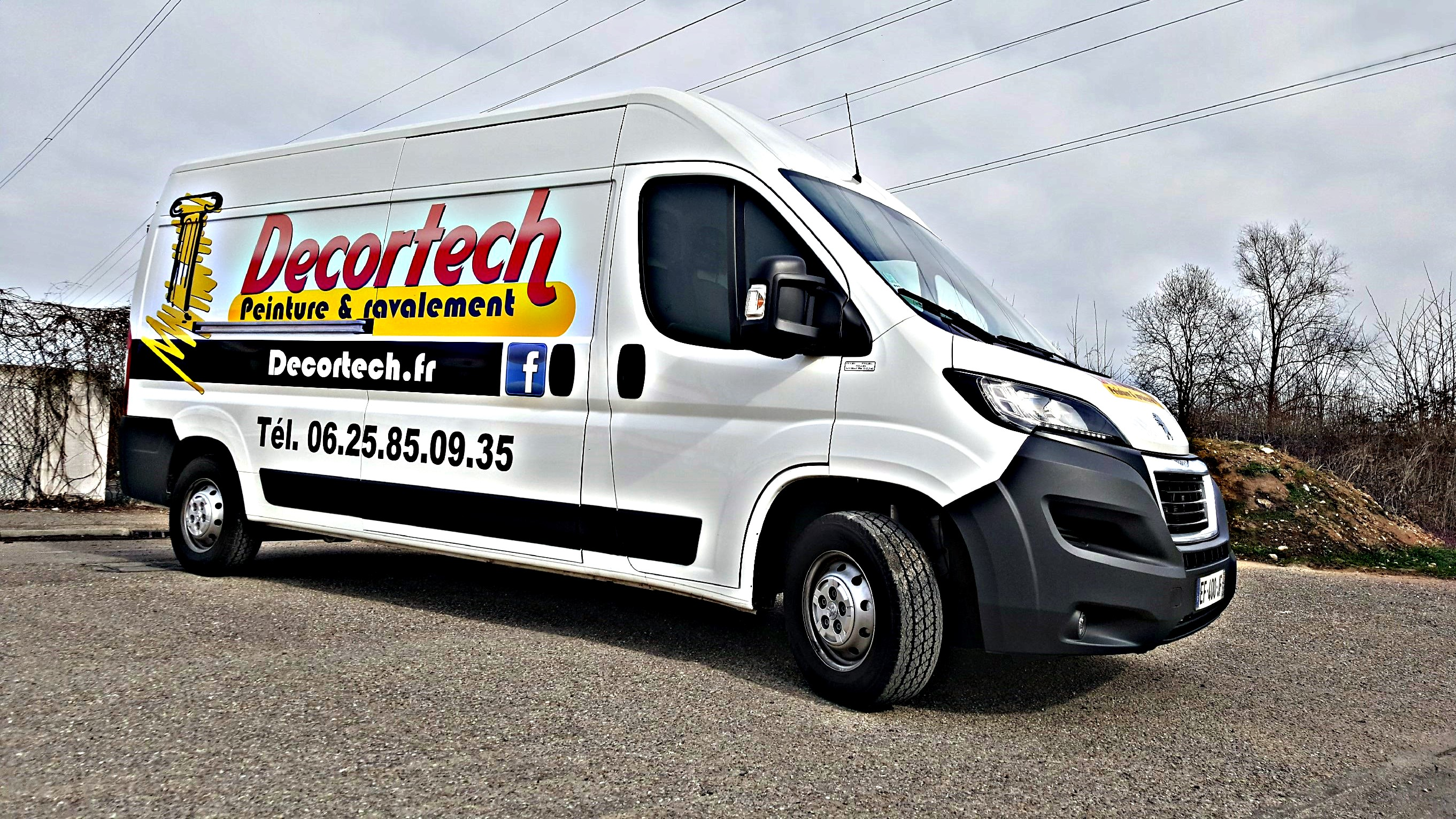 Decortech camionette Rénovation peinture et ravalement
